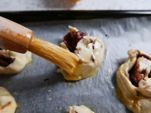 Goats cheese and red onion roll-ups (10)