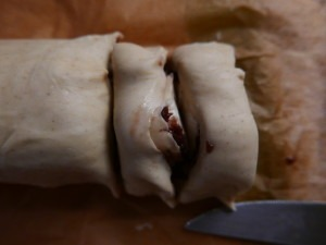 Goats cheese and red onion roll-ups (8)