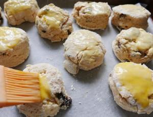 Fruit scones (4)